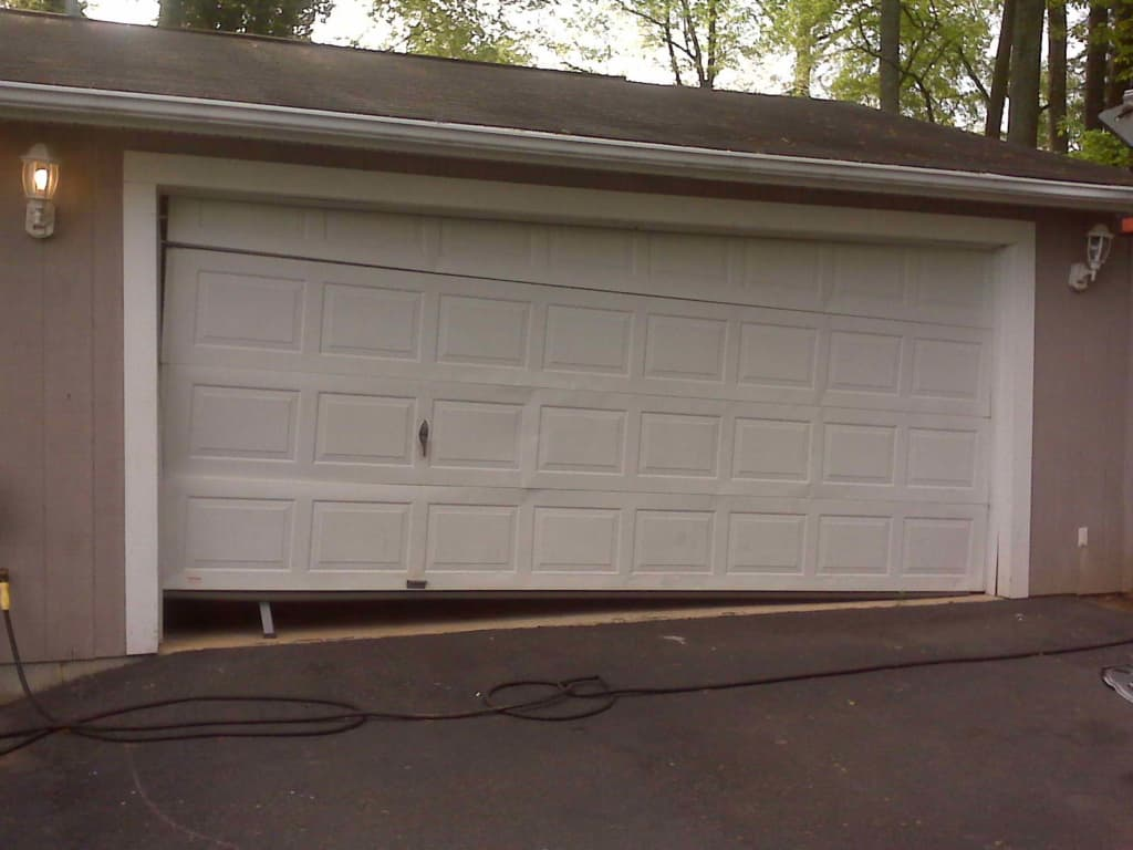 faulty garage door in nyc